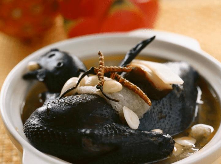 Daging ayam cemanni bisa diolah menjadi makanan yang lezat dan tentunya menyehatkan | Sup Daging Ayam Cemani