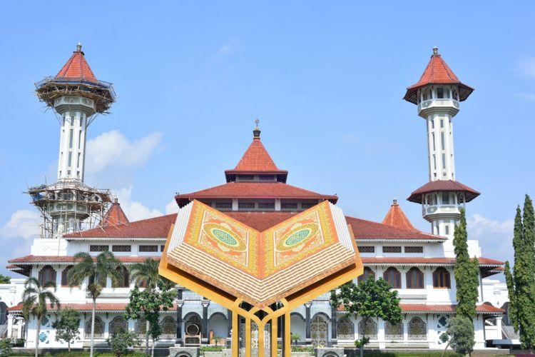 Masjid Agung Cianjur menjadi salah satu ikon menarik yang terdapat di Kabupaten Cianjur, Jawa Barat