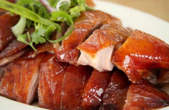 Masakan berbahan dasar daging bebek peking yang lezat