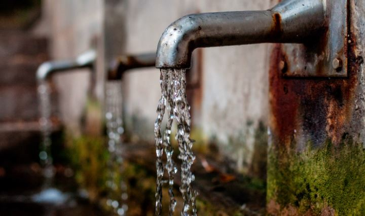 Air sangat penting dalam proses kegiatan beternak, adanya sumber air yang dekat dengan kandang maka akan memudahkan peternak dalam mengambil air untuk minum maupun untuk membersihkan kandang | image 5